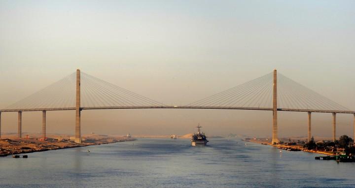 Περνώντας από το Κανάλι του Σουέζ