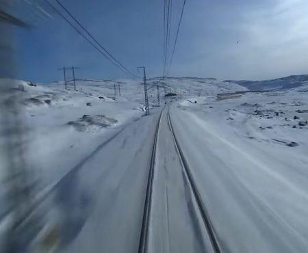 Ταξιδεύοντας στο χιόνι με τον Moby